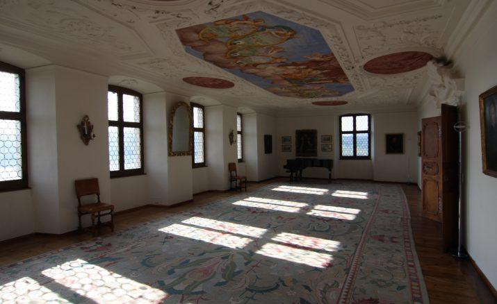 Hoftanz-Crash-Kurs im Schloss Heidegg