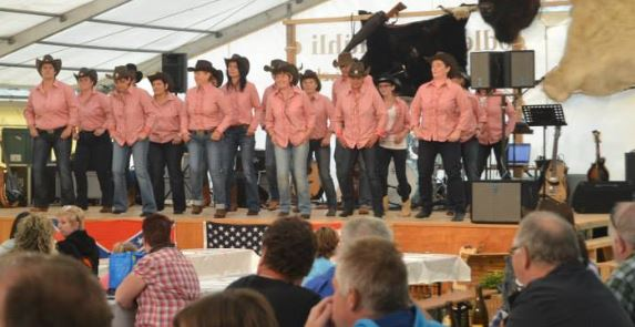 Country Line Dance aus purer Freude