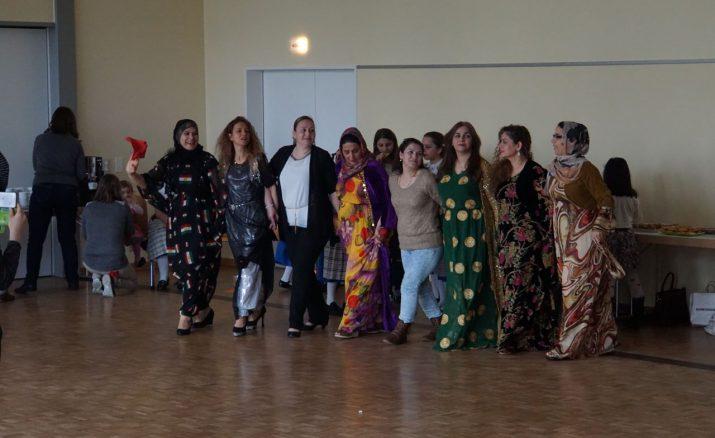 Tanzen verbindet: Kreistanz und Line Dance in Ebikon