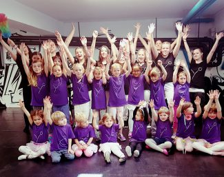 Yzma, Tanz- & Schauspielschule
